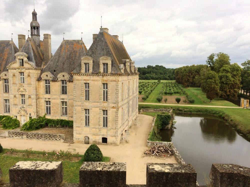 Vue du Donjon au Château de Saint-loup sur Thouet