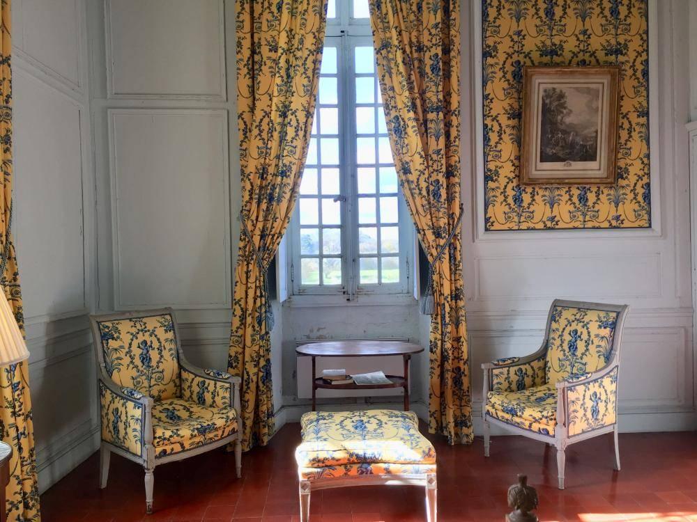 XVII C Château accommodation - Château de Saint Loup
